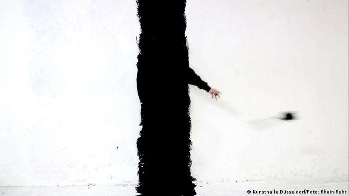 Johanna Reich | Line III, video performance