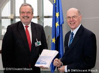 Intendant Erik Bettermann und Bundestagspräsident Norbert Lammert in Berlin