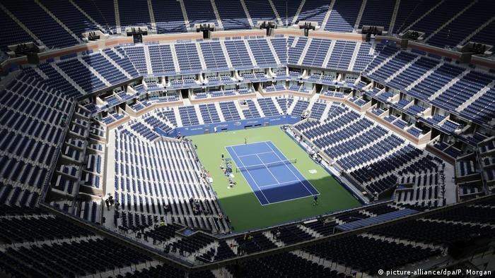 USA New York | Arthur Ashe Stadion ohne Puplikum