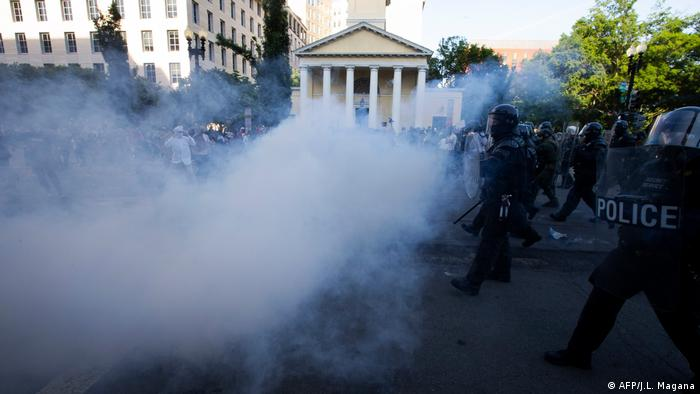 police clashes in Washington