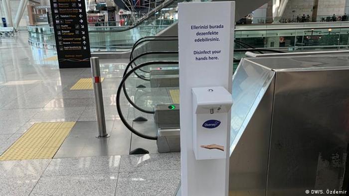 Türkei Coronavirus Flughafen in Ankara