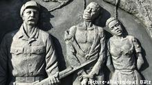 Namibia Windhuk | Denkmal zur Erinnerung an den Völkermord an den Herero und Nama