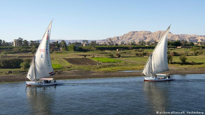 Boats on the Nile (picture-alliance/R. Hackenberg)