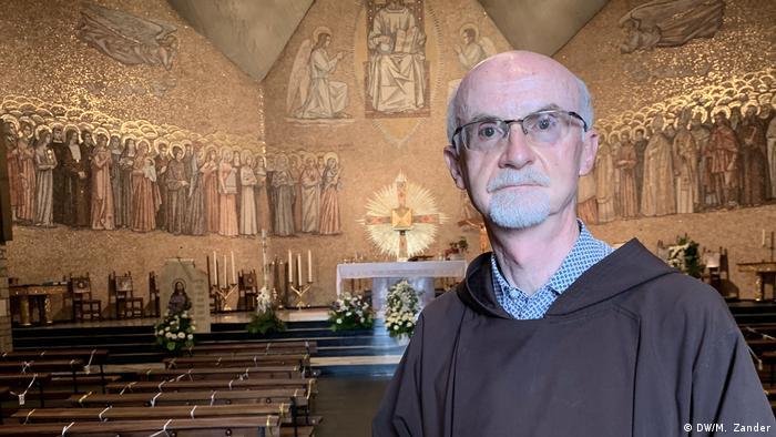 Brother Marco Bergamelli in Kapelle (DW/M. Zander)
