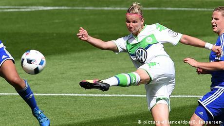 Fußball Frauen DFB-Pokal SC Sand - VfL Wolfsburg Alexandra Popp (picture-alliance/dpa/C. Jaspersen)