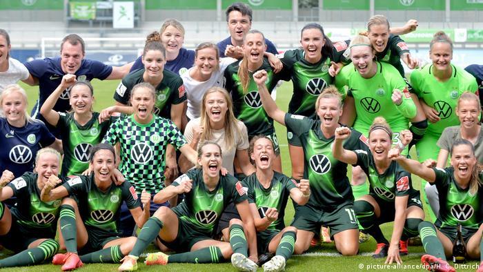 Fußball Frauen Bundesliga VfL Wolfsburg - SC Freiburg Team Wolfsburg