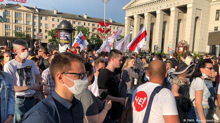 Belarus Minsk   Protest gegen Verhaftung alternativer Wahlkandidaten