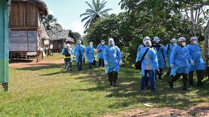 The medical team of the Brazilian Armed Forces arrives at the Cruzeirinho village to assist indigenous population in mid-June
