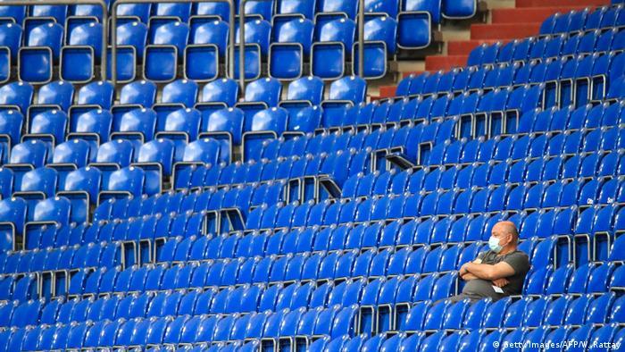 Estádio do Schalke em Gelsenkirchen, vazio durante a pandemia