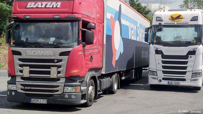 Польские грузовики на дороге в Германии