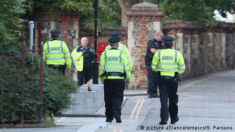 UK Vorfall in Reading   Mehrere Menschen in Park mit Messer veletzt (picture-alliance/empics/S. Parsons)