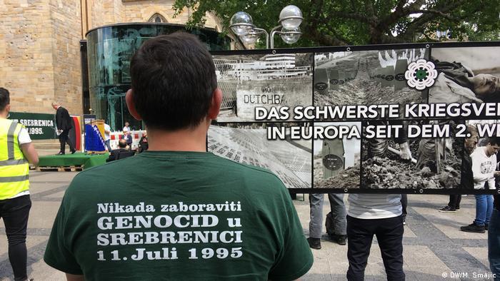 Deutschland Gedenkveranstaltungen zum Jahrestag von Srebrenica in Dortmund (DW/M. Smajic)