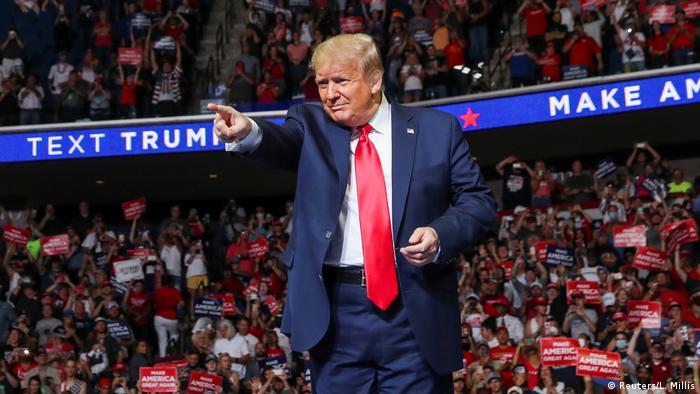 Дональд Трамп під час передвиборчого мітингу в Оклахомі