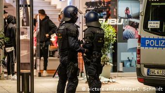 Χρειάστηκαν πάνω από 200 αστυνομικοί για να αποκατασταθεί η τάξη