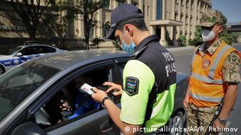 Контроль в Баку во время локдауна летом 2020 года
