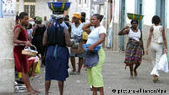 Image of women in Praia, the Cape Verdean capital.