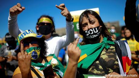 Brasilien Pro und Contra Bolsonaro Demonstration (Reuters/A. Machado)