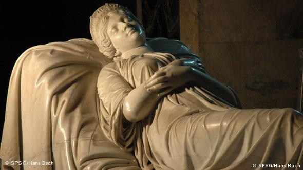 Надгробный памятник в мавзолее королевы Луизы