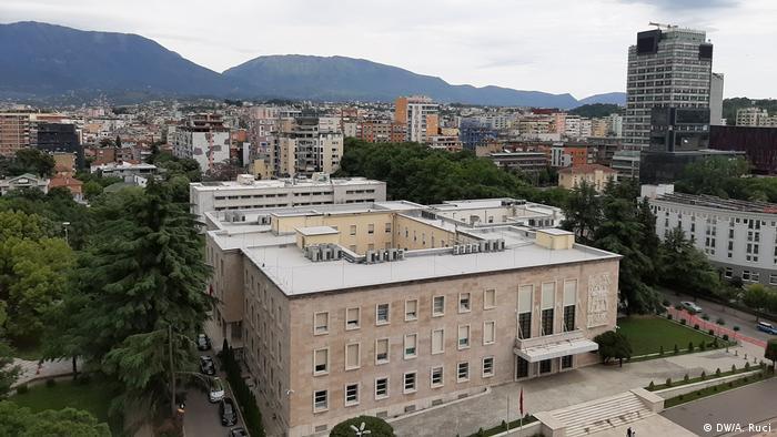 Albanien   Stadtansicht Tirana (DW/A. Ruci)
