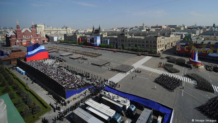 Russland Moskau Siegesparade 2010 (Imago Images)