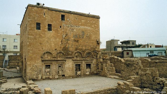 Crkva svetog Jakova, Sirijske pravoslvne crkve sagrađena je 317-320 godine. Nalazi se u Turskoj u blizini Dijarbakira u provinciji Mardin.