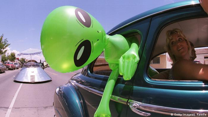 Roswell, Nuevo México, se ha convertido en una meca para los entusiastas de los ovnis después de que los extraterrestres supuestamente se estrellaran allí en 1947