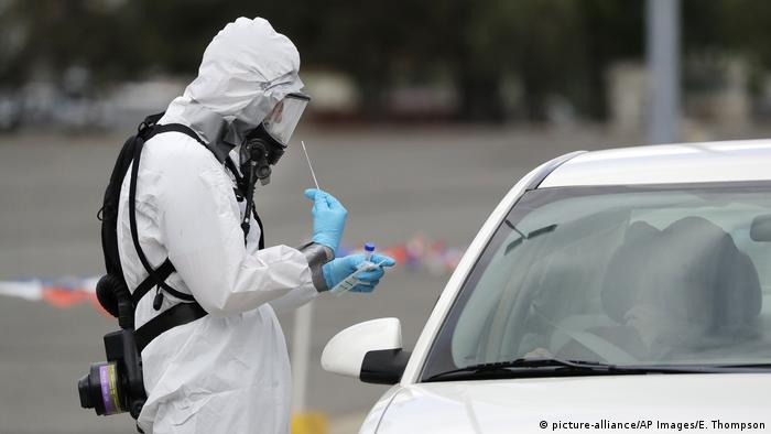 USA Coronavirus Test Auto (picture-alliance/AP Images/E. Thompson)