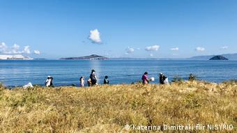Συλλογή πλαστικών στις παραλίες της Νισύρου