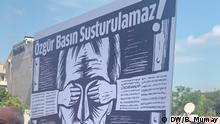 24.6.2020, Istanbul, Türkei, Die Proteste gegen die türkische Regierung gehen weiter. Hunderte Menschen - darunter Journalisten und Künstler - sind nun in Istanbul gegen die Polizeigewalt gegen Medienvertreter auf die Straße gegangen. Redakteiurin: Seda Bilen