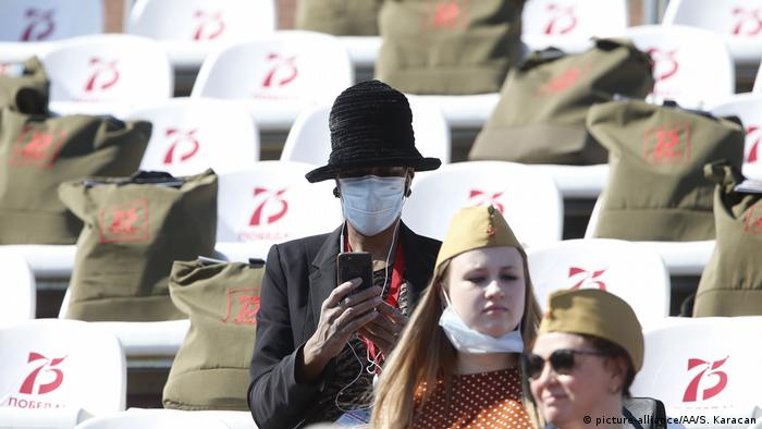 Attendees wearing face masks