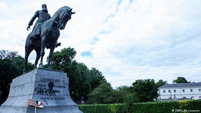 Patung pemujaan Leopold II di Brussels