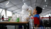 China Peking | Coronavirus | Testzentrum