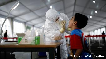 Тест на коронавирус в Пекине