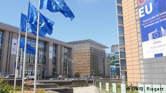 Στο κτήριο της Ευρωπαϊκής Επιτροπής στις Βρυξέλλες θα επιστρέψουν ξανά οι αρχηγοί κρατών και κυβερνήσεων για να συζητήσουν το θέμα του Ταμείου Ανάκαμψης