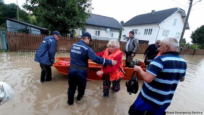 Понад півтори тисячі рятувальників