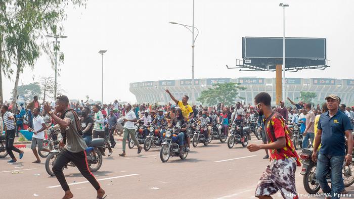 De nombreux manifestants sont venus en moto-taxi