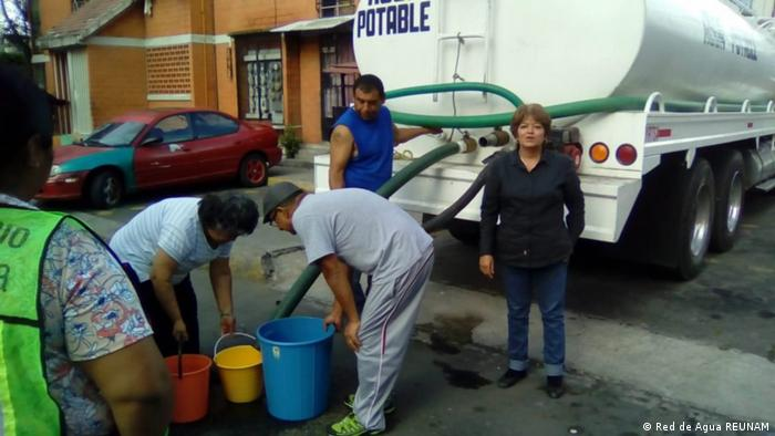 Immer mehr Mexikaner sind auf Trinkwasserlieferungen durch große Tanklaster angewiesen