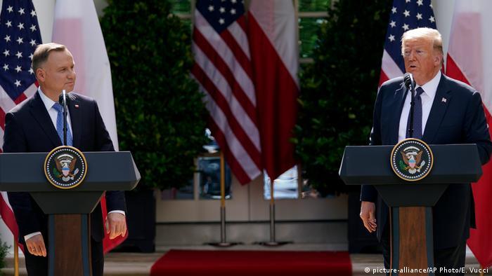 Анджей Дуда (ліворуч) та Дональд Трамп у Вашингтоні