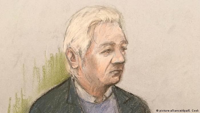 Julian Assange auf einer Gerichtszeichnung des Westminister Magistrates Court in London (Foto: picture-alliance/dpa/E. Cook)