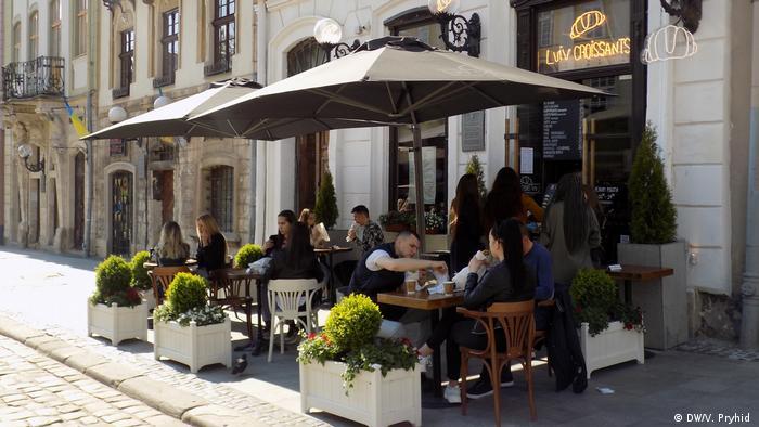 Львовские кафе после ослабления ограничений из-за коронавируса