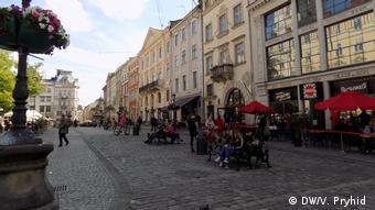 На улицах Львова после ослабления ограничений, введенных из-за коронавируса