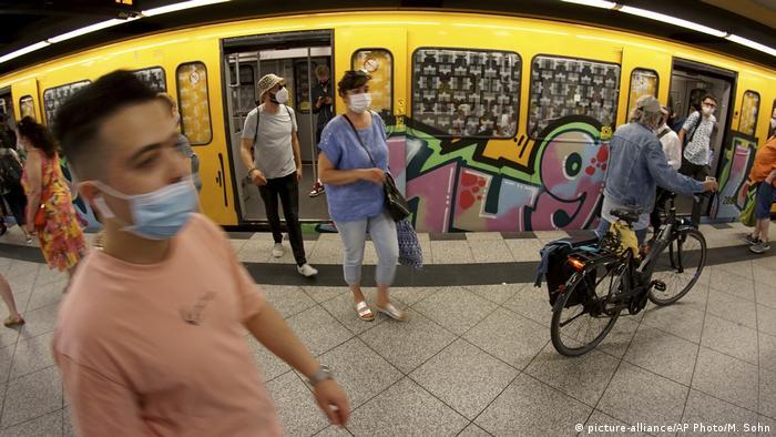 Deutschland Berlin Mund-Nasen-Maske Mundschutz