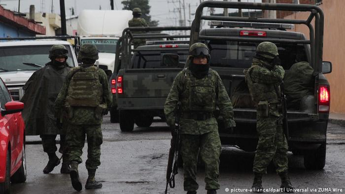 Mexican security forces on patrol (picture-alliance/dpa/El Universal via ZUMA Wire)