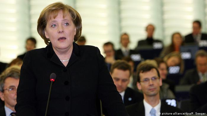 Frankreich | Angela Merkel im Europaparlament in Straßburg 2007 (picture-alliance/dpa/P. Seeger)
