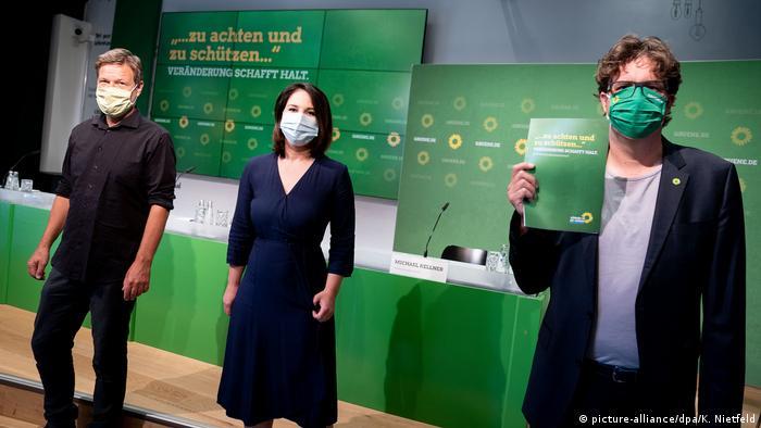 Rukovodstvo Zelenih, Robert Habek, Analena Berbok i Mihael Kelner, i njihov izborni program