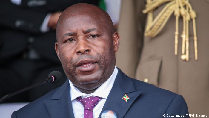Burundi Gitega   Beerdigung des ehemaligen Präsidenten Pierre Nkurunziza: Evariste Ndayishimiye hält Ansprache (Getty Images/AFP/T. Nitanga)