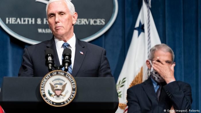 Vizepräsident Pence leitet das Briefing der Coronavirus Task Force