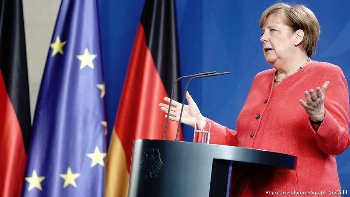 Angela Merkel (picture-alliance/dpa/K. Nietfeld)