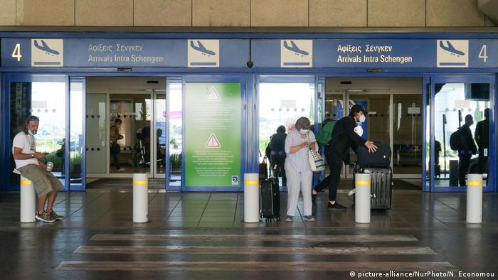 EU relaxes entry restrictions (picture-alliance/NurPhoto/N. Economou)