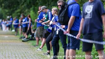 Schalke fans protest against Clemens Tönnies